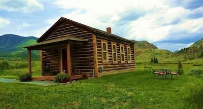 The Schoolhouse in June - songbirds, wildlife, wildflowers, amazing views,quiet.