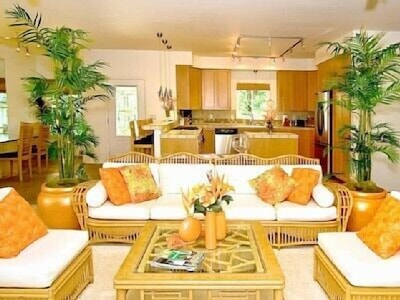 Beautiful living room with open floor plan and plenty of space.