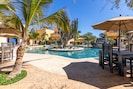 Swimming pool private to guests of Puesta Del Sol