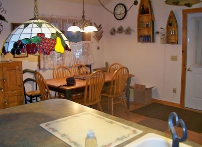Wonderful Eat in Kitchen that Seats 6 or More.