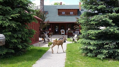 PRIVATE Guest house, located downtown historic district of Cody, Wyoming.