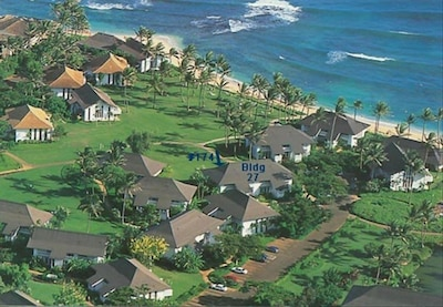 Poipu Shopping Village, Koloa, Hawaii, USA