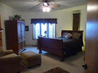 Huge Master Bedroom Suite with adjoining bath and walk in closet