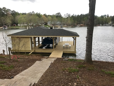 Brand new boathouse (March 2017)