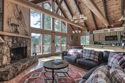 Open living area with $$$$ Views!