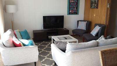 upstairs lounge/dining area