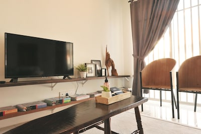 Amenities are designated to compliment the needs of dining, entertainment and relaxing