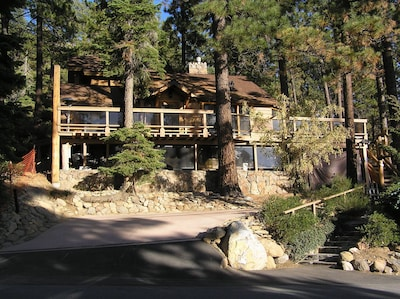 Lakeview Brockway Cabin - reserved guest parking  (below rock stairs) see more--