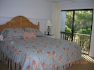 Master Bedroom with comfy king size bed / lagoon view