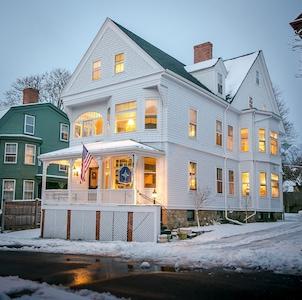 The Chart House Inn welcomes you!