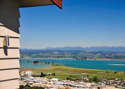 Commodore - Stunning views over Tasman Bay