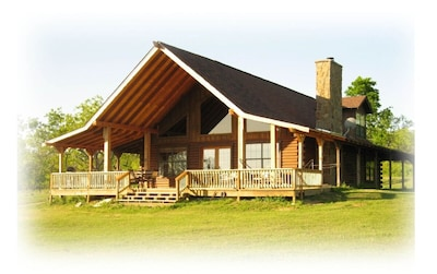Richland Chambers Lake Log Cabin - lake front