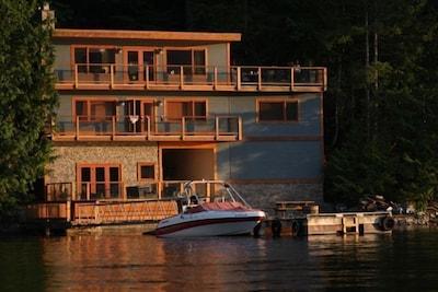 4-Bedroom West Coast Oceanfront Retreat