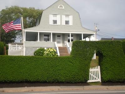 Hedgegate of Newport