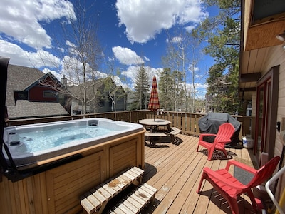 Private deck with hot tub, gas grill and plenty of seating!