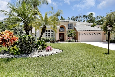 Crown Pointe, Naples, Florida, United States of America