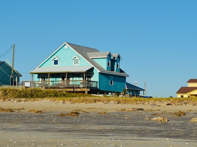 View of the house from the pedestrian beach