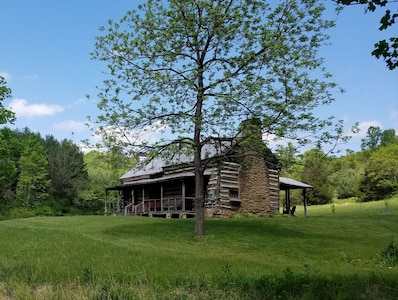 Pre-civil War RUSTIC cabin on 30 acres ten minutes from the Blue Ridge Parkway