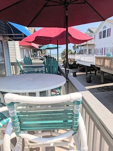 deck to beach, 75 steps, 2 bar height table/chairs