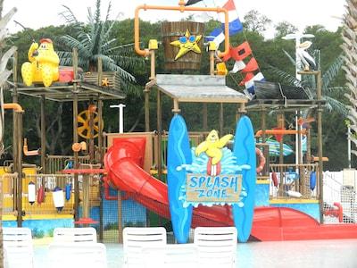 Splash zone at free water park