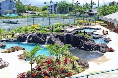 Cliffs Condo New Tropical Pool & Recreation Area