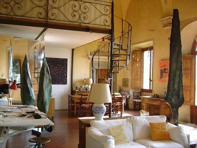 Lussuoso appartamento, giardino, piscina, vista spettacolare su Firenze