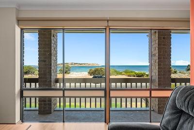Living Area views to Granite Island