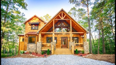 Skyfall Cabin - Blue Ridge, GA luxury at its finest!