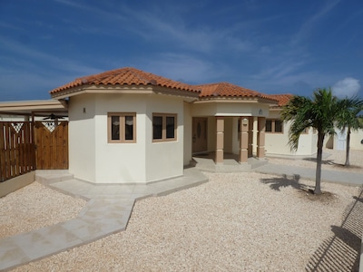 Welcome to your vacation home, Bella Ruby.     The most beautiful gem in Aruba!