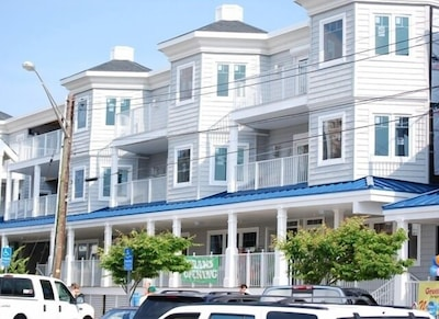 Blue Surf Apartment 2nd Floor
