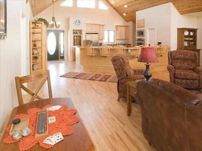 Bull Moose Retreat - looking toward kitchen from l