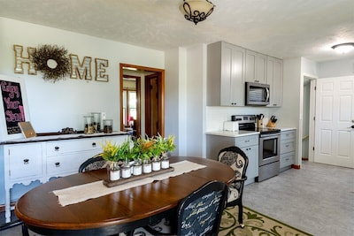 Great place for family and friends to gather, dine, sleep10, and make memories.