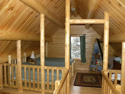 Prong Mountain Cabin - Second floor loft bedroom with 2 single beds.