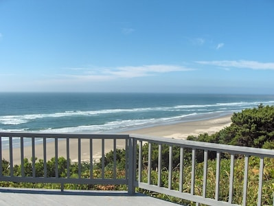 OceanFront Deck View - have a meal on the deck - Northern View!