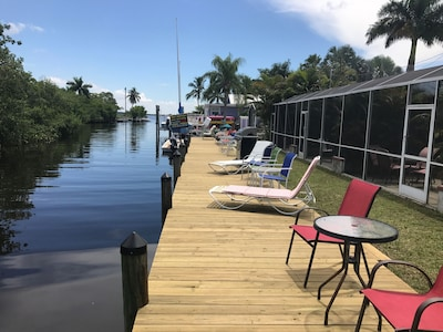 Pet-Friendly / Family-Friendly Waterfront Vacation Rental + Free Boat Dockage!