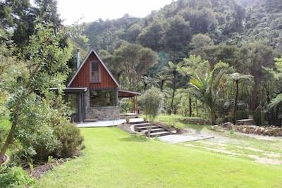 River Retreat in its bush setting