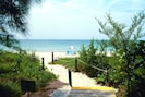 Easy Walk to Beach - 300 yards on Private Road
