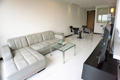 Nice & Clean Apartment in City Centre!