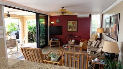 Living Room & Lanai, Ocean View
