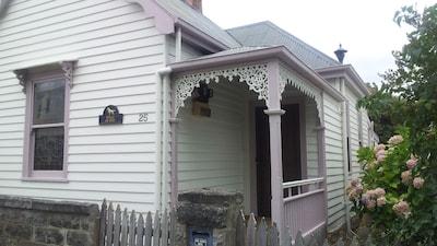 1891 Victorian Cottage