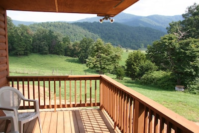 Awesome Views! Sit out on the deck and hear nature!