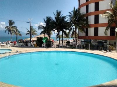 Apto Martim de Sá - De frente para praia (pé na areia) - Vista pro mar