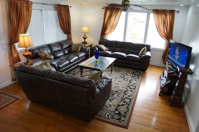 New Livingroom lether furniture.