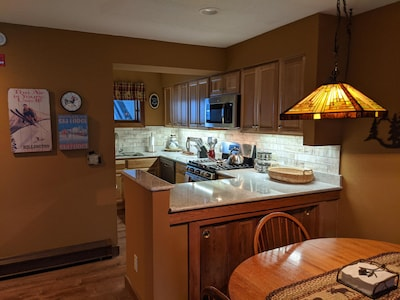 2020 newly renovated Kitchen with all new cabinets, countertop and appliances