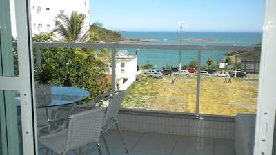 Amplo apartamento de frente para praia de bacutia com 3 suites e varanda gourmet