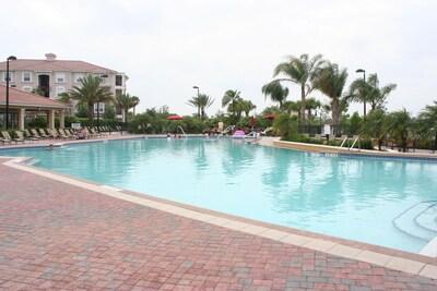 Beautiful heated infinity pool