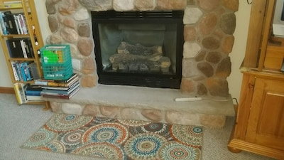Warm Up by the Fire with Easy on/off Gas Fire Place, Books, dvd's
