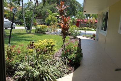 Beautiful Well Kept Landscaping