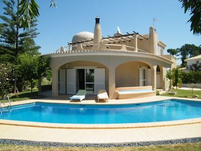 Vilamoura - Spacious villa for 8 + 1, wifi, air conditioning, private pool