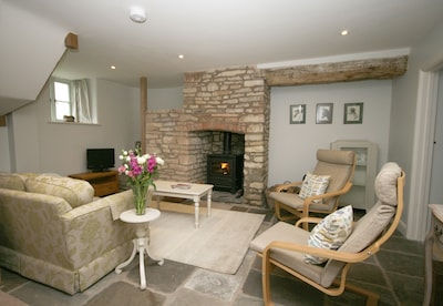 In peaceful rural location within walking distance of  lovely pub, near Bath.